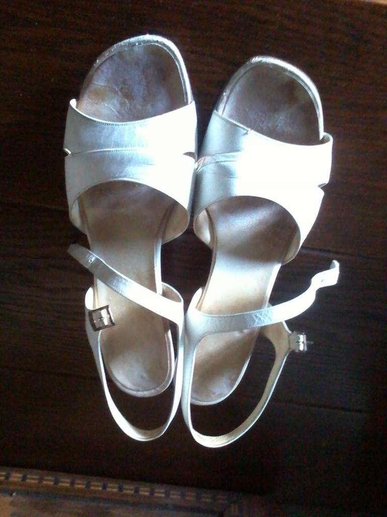Zapatos cuero color natural