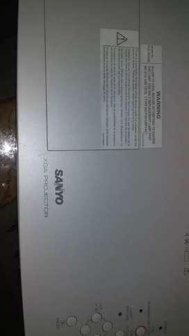 Vendo video beams excelente estado marca epsom Panasonic y Sanyo económicos