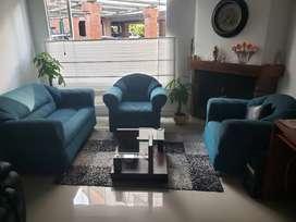 Sala con sofá y 2 poltronas tela jacquard italiana