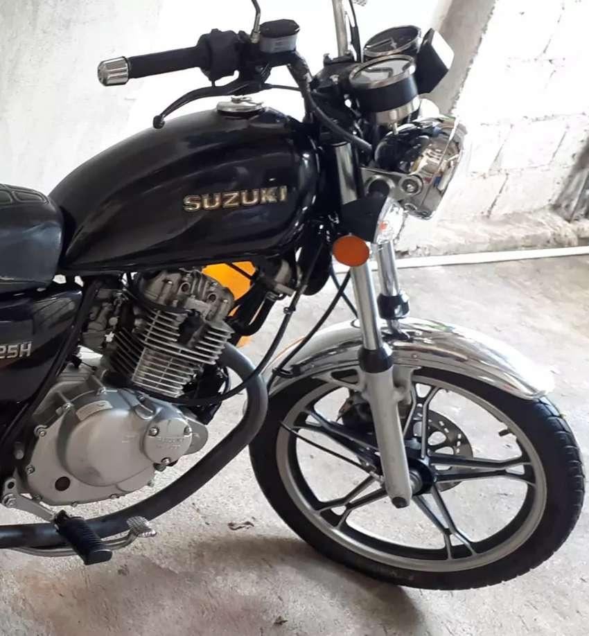 Vendo moto suzuki Gn125 0
