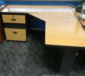 Vendo excelentes muebles para oficina en madera