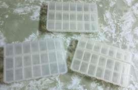 Pastilleros de plastico (los 3 por $500 )