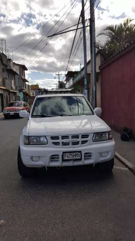 Remato isuzu rodeo 2000 auto 4*4
