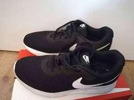 Zapatillas Nike Tanjun Unisex Urbanas TALLE 37.5 USADAS