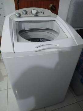 Lavadora Mabe 24 libras funcionando muy bien