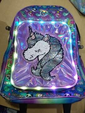 Vendo mochila Footy usada en buen estado