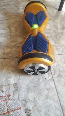 Vendo patineta eléctrica semi nueva con cargador y bluetooth