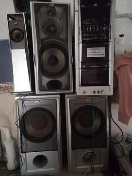Equipo de sonido J.V.C en buen estado