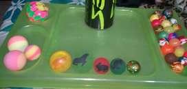 Colección de pelotas de diferentes materiales