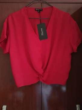 Blusa americana de seda, nueva. Talla M