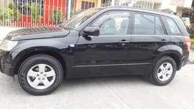Vendo un carro color negro