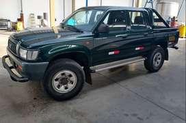 Toyota Hilux 4x2 2004 diesel