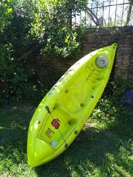 Vendo Kayak K1 con remo y chaleco 8500