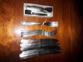 vendo cuchillos, tenedores , cucharas para helado