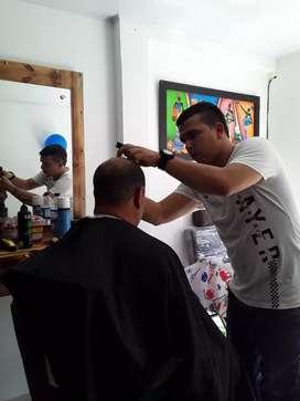 Nesecito barbero para trabajar en él barrio la Rioja por la principal