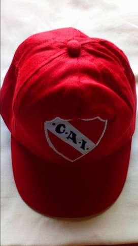 Gorros de River e Independiente