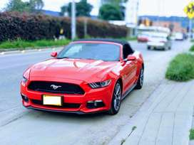 FORD MUSTANG CONVERTIBLE 5.0