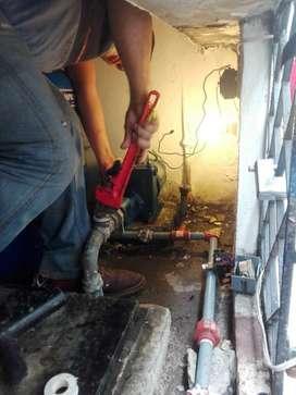 Técnico especialista en bombas de agua