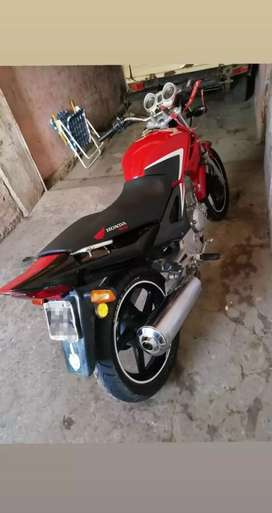 vendo honda twister 2015