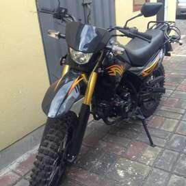 Busco conductor de moto, para que trabaje por su cuenta en aplicaciones de servicio a domicilio.
