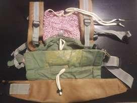 Cargador bebé tipo mochila ergonómica de marca Monitos