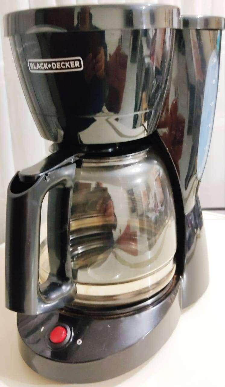 Cafetera Eléctrica 12 tazas - Black-Decker