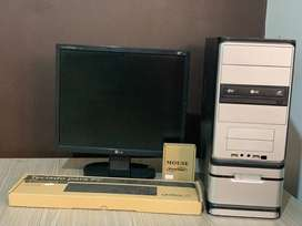 Computador NEGOCIABLE- ideal para uso de Ofimática y uso diario de casa u oficina