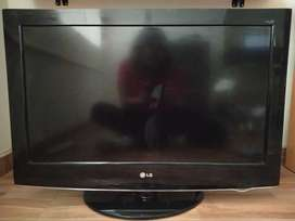 TV LG - 32 pulgadas + soporte pared + base mesa + control remoto