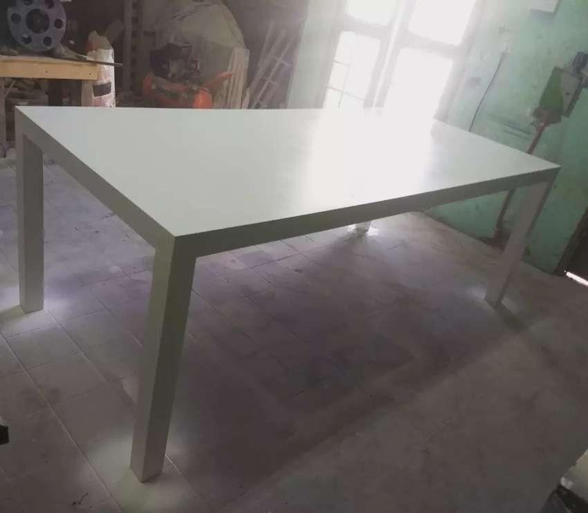 Mesa de comedor 0