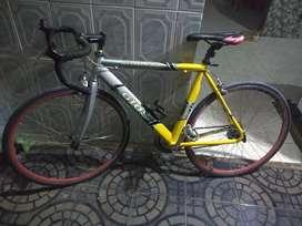 Vendo cicla semi carrera en buen estado