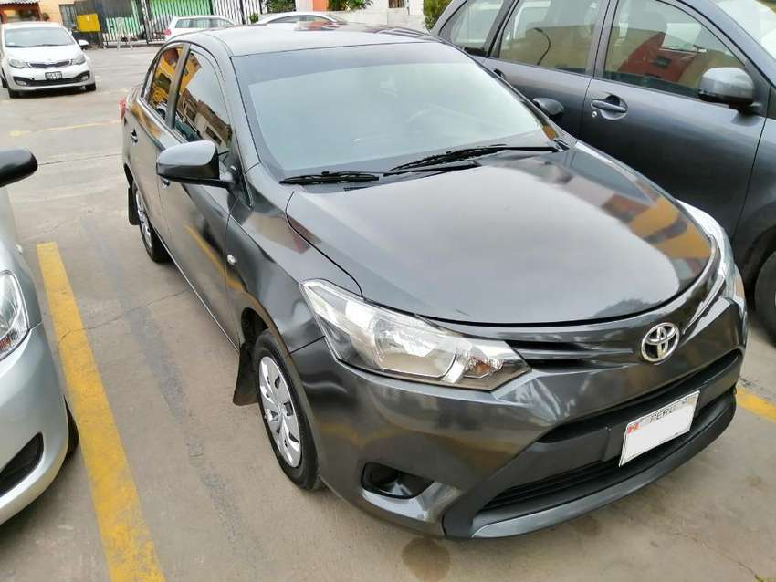 Toyota Yaris 2017, Gris, Impecable. 0