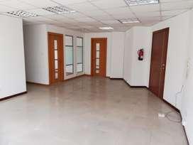 Oficina de arriendo en la coruña 12 de octubre centro norte de Quito Cod: A199