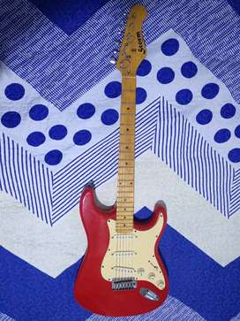 Vendo Guitarra electrica con estuche semiduro impermeable