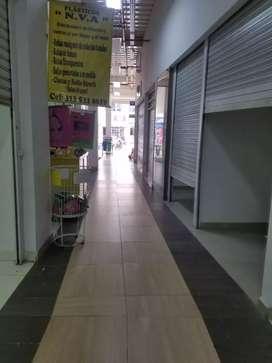 Venta o alquiler o permuta de local en Centro Comercial Caña Dulce en Jamundí