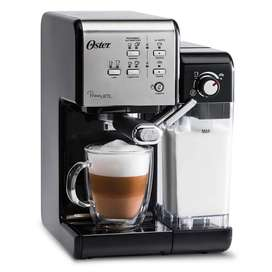 Cafetera PrimaLatte II Oster BVSTEM6701SS 19 Bares Electrodomesticos