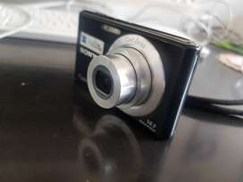 Camara digital SONY Cyber-shot 14.1 megapixeles