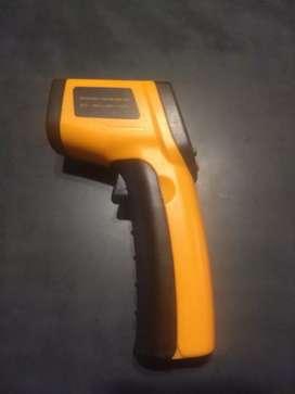 Termometro infrarojo digital