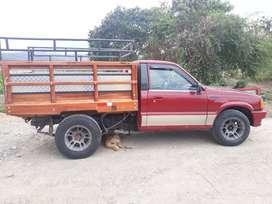 Vendo Camioneta MÁZDA B2200 AÑO 1995 cabina simple a toda prueba motor resien Reparado