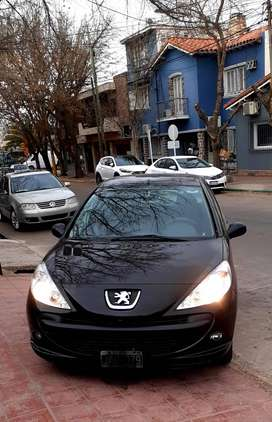 Peugeot 207 1.4 allure 2012 full 35000 km reales único dueño impecable.