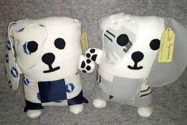 Muñecos de apego y cestas organizadoras