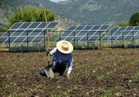 Paneles y sistemas solares para casa de campo.