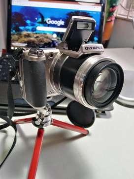 vendo video cámara Olympus SPX800UZ