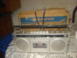 Radiograbador Sanyo M7500f Am/fm De Los 80s En Caja No Envio