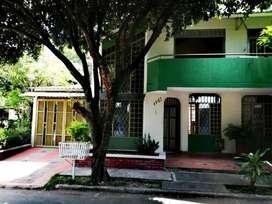Vendo Casa Esquinera Barrio Los Colores