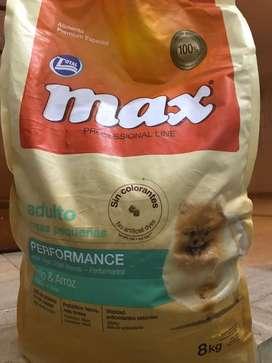 Max Adulto razas pequeñas 8 kg