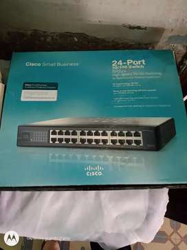 Cisco small Business 24 Port 10/100 switch sr224