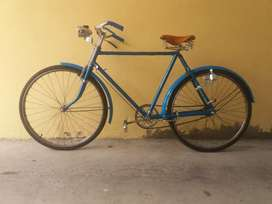 Flamante bicicleta clásica