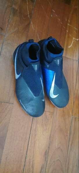 USADO. Guayos Nike Phantom Ghost . US 6Y