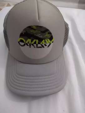 Vendo gorra marca oakley original