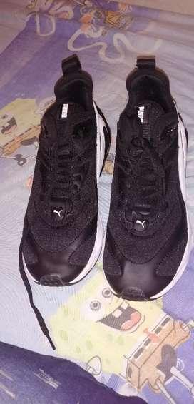 Se venden zapatos puma